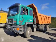 Camión MAN 26.422 volquete usado