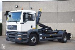 Camión MAN TGA 18.310 Gancho portacontenedor usado
