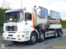 Camión cisterna MAN FE
