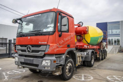 Camion béton toupie / Malaxeur Mercedes Actros 2041