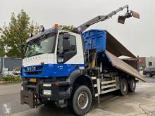 Ciężarówka platforma Iveco Trakker