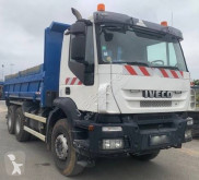 Camión volquete volquete trilateral Iveco Trakker 350