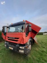 Camião bi-basculante Iveco Trakker 410