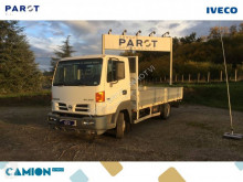 Camion Nissan Atleon 70.14 plateau ridelles occasion