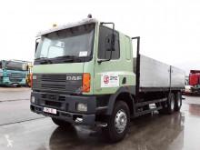 Camião DAF 85 estrado / caixa aberta usado