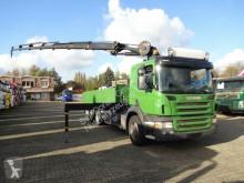 Camião Scania P320 Pritsche mit HMF2420 6xhydr 6x2 Lenk-Lift usado