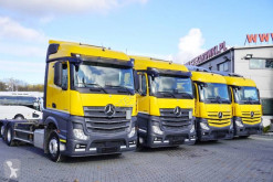 Mercedes Actros 2542 truck damaged BDF