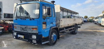 Camion Volvo FL6 plateau standard occasion