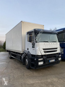 Camión Iveco Stralis 420 furgón usado
