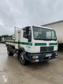 Camion benne MAN LE 180 C