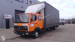 Camion fourgon Mercedes 817