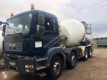 Camión hormigón MAN 32.403
