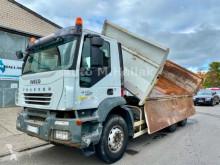 Camión volquete volquete trilateral Iveco TRAKKER 410 6x4 Bordmatik Big Axel Manualgear