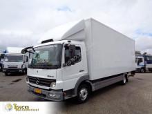 Ciężarówka furgon Mercedes Atego 816