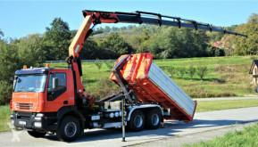 Ciężarówka Iveco TRAKKER 440 Abrollkipper 5,00m+ Kran*6x4* platforma używana