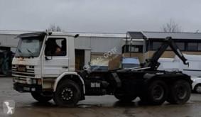 Kamión Scania H 113H hákový nosič kontajnerov ojazdený