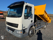 Camión Gancho portacontenedor DAF LF45 45.180