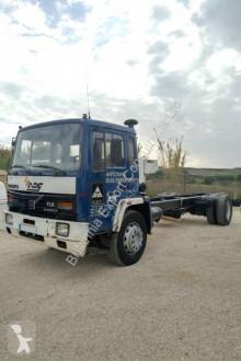 Camión chasis Volvo FL6 617