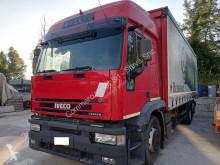 Camion Iveco Cursor IVECO CURSOR 260E42, anno 2002. Allestito con centina e sponda caricatrice centinato alla francese usato