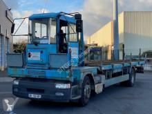 Camión caja abierta transportador de hierro Renault Premium