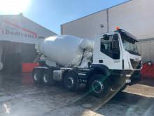 Camion Iveco Trakker 410 betoniera cu rotor/ Malaxor second-hand