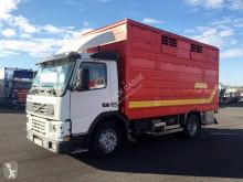 Camión remolque ganadero Volvo FM7 250