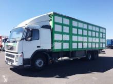 Camion bétaillère Volvo FM 380