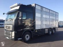 Camión remolque ganadero Volvo FH 500