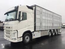 Vrachtwagen Volvo FH 500 nieuw vee aanhanger
