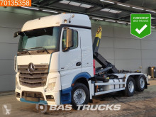 Camión Gancho portacontenedor Mercedes Actros 2551