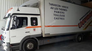 Camión Mercedes Atego 1328 furgón mudanza usado