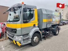 Maquinaria vial DAF lf55.250 g15 strassenkehrmaschine camión barredora usado
