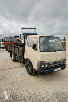Camion Nissan Cabstar plateau ridelles occasion