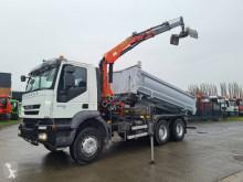 Lastbil Iveco Trakker 360 flak begagnad