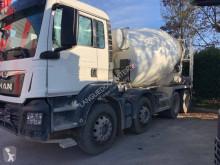 Camion MAN 32.240