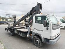 Camião Nissan Cabstar 120 with crane Manotti Galaxy GT18-12 plataforma usado