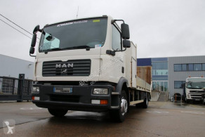 Camión de asistencia en ctra MAN TGM 15.240 BL