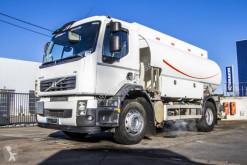 Kamion cisterna uhlovodíková paliva Volvo FE