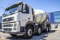 Camion béton toupie / Malaxeur Volvo FM12 420