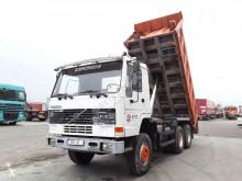 Camión volquete Volvo FL10
