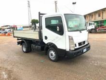 Camion NISSAN CABSTAR 35.12 PATENTE B CASSONE RIBALTABILE scarrabile usato