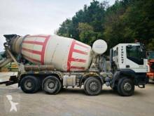 Camión hormigón cuba / Mezclador Iveco Trakker