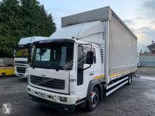 Volvo ponyvával felszerelt plató teherautó FL6 220