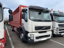 Camión remolque ganadero para ganado bovino Volvo FE 320-18