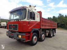 Camion MAN 33.372 benă second-hand