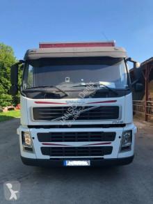 Camión para ganado porcino Volvo FM10 300