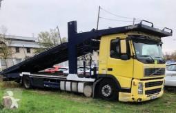 Volvo autószállító teherautó