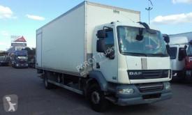 Camión furgón DAF LF 220