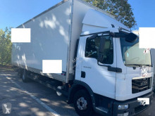 MAN 11.224 truck used moving box