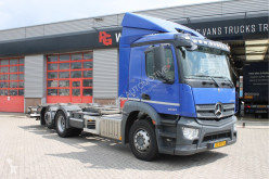 Camion porte containers Mercedes Antos 2530